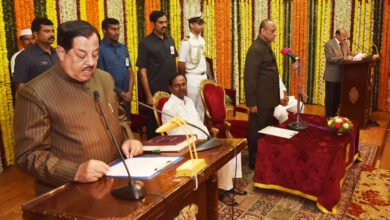 Photo of Pro-tem Speaker oath to 114 MLAs, Akbar Owaisi and four members skip