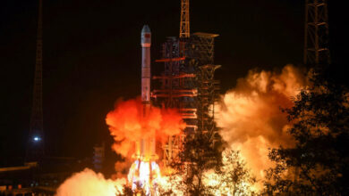 Photo of China's space probe lands on Moon's dark side in world first