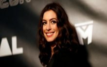 Anne Hathaway to do film on DuPont chemical company