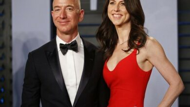 Photo of World's richest couple Jeff Bezos and MacKenzie to split