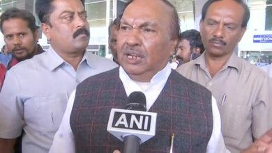 Photo of KS Eshwarappa says Siddaramaiah turned 'pagal' after losing CM post