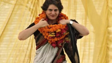 Photo of After 16-hr meeting, Priyanka says 'Getting views on how to fight LS polls to win'