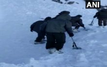 10 trapped after avalanche hits Ladakh