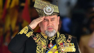 Photo of In historic first, Malaysia's king Sultan Muhammad V abdicates