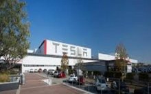 Musk pushes Tesla workers over email to meet Q2 goals