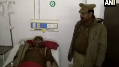 Photo of 'Thain thain' fame policeman injured in encounter in UP