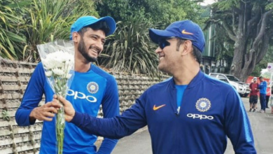 Photo of Khaleel Ahmed and MS Dhoni's bromance breaks the internet