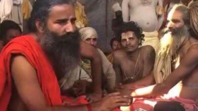 Photo of Kumbh 2019: Ramdev urges sadhus to quit smoking, says 'Ram, Krishna didn't smoke so why should we'