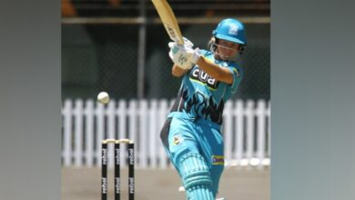 Photo of Beth Mooney becomes only player to score 400 in every WBBL edition