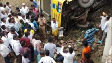 Photo of Andhra Pradesh: Bus carrying 50 students turns turtle, 2 critically injured