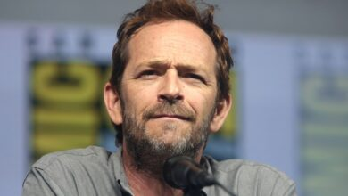 Photo of Luke Perry has advice for young actors