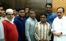 Hyderabad: Overseas students await scholarships, Parents meet Mahmood Ali