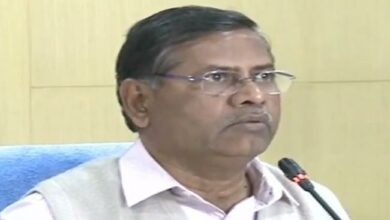 Photo of Don't press for unanimous panchayats: Nagi Reddy tells parties