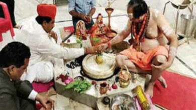Photo of Lone Muslim minister of Rajasthan performs puja at temple