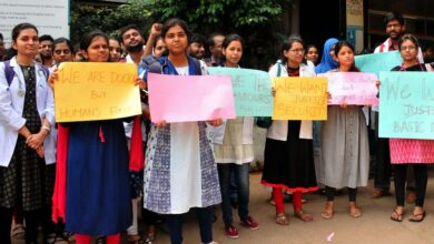 Photo of Doctors of Niloufer Hospital staging protest
