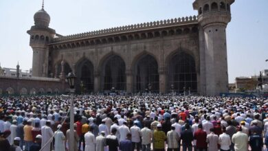 Photo of Devotees offered Friday Namaz without shed in Makkah Masjid