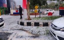 """Manali in Noida"": Twitter in tizzy after thick cover of hail near Delhi"