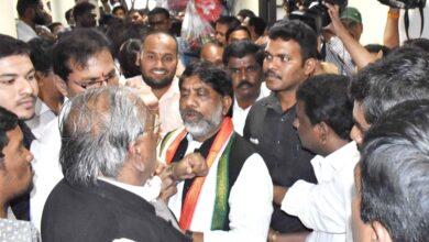 Photo of Dalit activists protest at Gandhi Bhavan to suspend VH