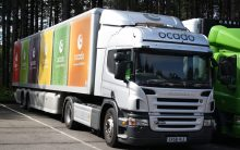 Marks and Spencer agrees deal with Ocado to sell food online