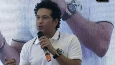 Photo of Kohli should pick Bhuvi over Shami for WI tie: Tendulkar