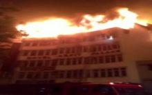 Delhi: Massive fire breaks out in hotel, 9 die