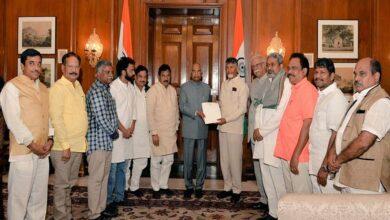 Photo of Chandrababu Naidu meets President Kovind, presses for special status to AP