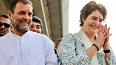 Photo of Priyanka Gandhi wows crowds in Lucknow along with Rahul, Scindia
