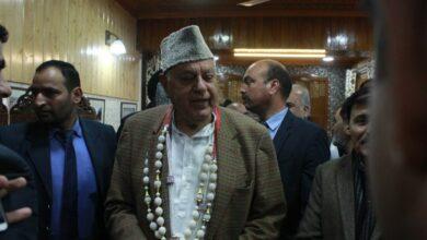 Photo of Farooq Abdullah files nomination for upcoming Lok Sabha elections
