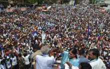 Y.S.Vijayamma  addressing Election  public meeting