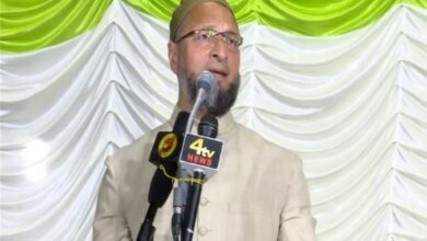 Photo of Asaduddin Owaisi discloses name of MLA who will be LoP when MIM gets Opposition status in TS Assembly