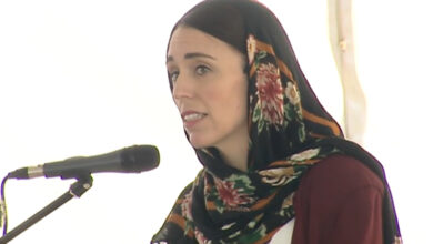 Photo of NZ PM Jacinda Ardern's popularity at all-time high after mosque attacks