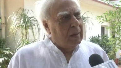 Photo of Only must belong to RSS dynasty to be CM or PM in BJP regime: Kapil Sibal