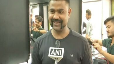 Photo of Abhinandan's gunslinger moustache evokes awe, youngsters rush to replicate style