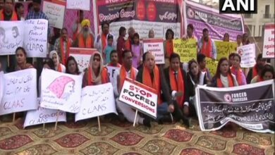 Photo of Protests erupt in Pakistan over conversion of Hindu girls