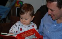 Parents and kids interact more when reading print books than e-books