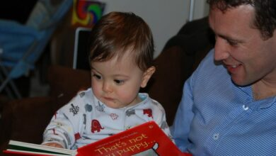 Photo of Parents and kids interact more when reading print books than e-books
