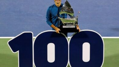 Photo of Roger Federer wins his 100th tour title