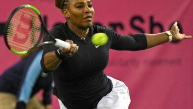 Photo of Serena Williams defeats Victoria Azarenka, enters the third round of Paribas Open