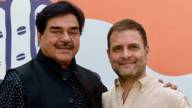 Photo of Shatrughan Sinha ends suspense, joins Congress