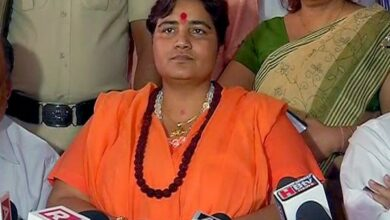 Photo of LS Polls: Sadhvi Pragya likely to fight against Digvijay Singh