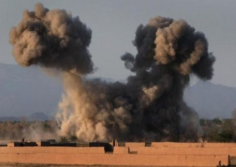 Air strikes hit hospital, kill 11 in Syria: Monitor