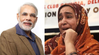Photo of Najeeb's mother asks 'chowkidar' to tell where her son is?