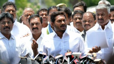 Photo of Y.S.Jagan Mohan Reddy addressing to Media