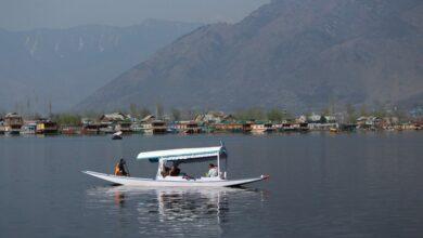 Photo of Kashmir: People enjoying Shikara Ride in world famous Dal Lake, exclusive pictures