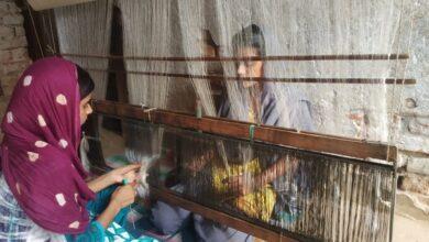 Photo of Bihar: Handloom weavers seek govt support to revive 'dying art'