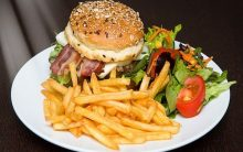 Comfort food leads to more weight gain during stress, study suggests