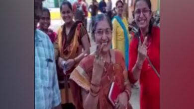 Photo of PM Modi's wife casts her vote in Gujarat