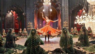 Photo of Alia Bhatt shares teaser of 'Kalank' song 'Tabaah Ho Gaye' featuring Madhuri Dixit