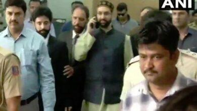Photo of Mirwaiz Umar Farooq to appear before NIA in terror funding case
