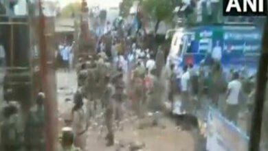 Photo of YSR Congress workers clash with cops in Mylavaram
